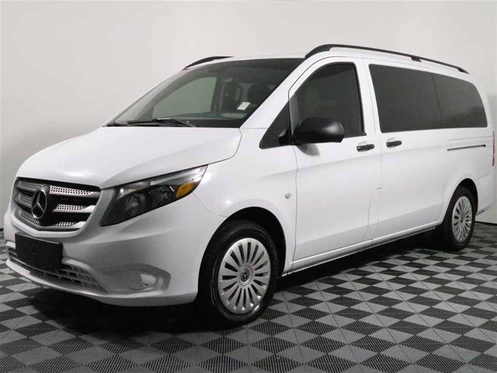 Pre-Owned 2018 Mercedes-Benz Metris Passenger